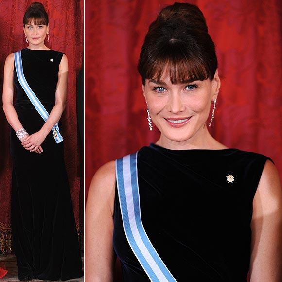 La Sra de Sarkozy vestida por Azzedine Alaïa