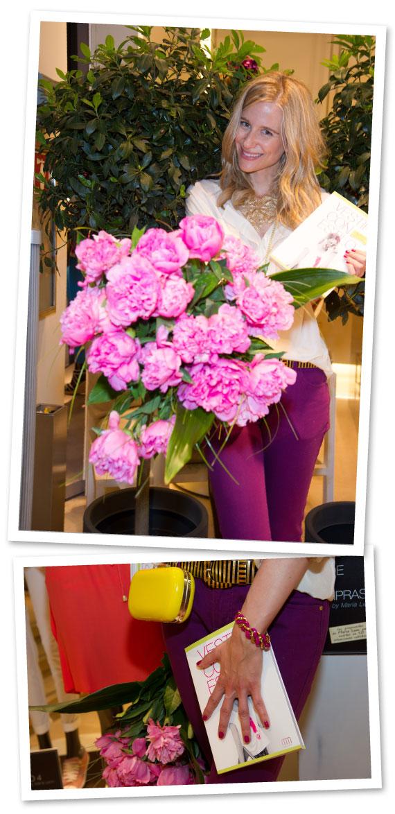 María León con pantalones y blusa de Pedro del Hierro, cinturón vintage de Kiki-Ritz Biarritz, collar comprado en un tienda de Berlín y sandalias y bolsito de mi fondo de armario