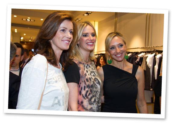 Nuria March con la modelo Teresa Baca y Marta Robles