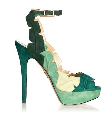 Que zapatos ponerme con un vestido verde agua