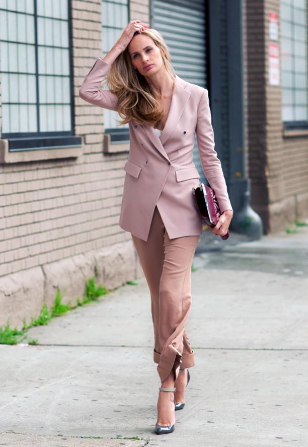 viste-celebrities-blazer-rosa-nicole-richie_5_1114786.jpg