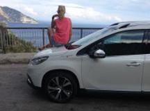 Aventura amalfitana-Destino Amalfi | María León con Peugeot 2008