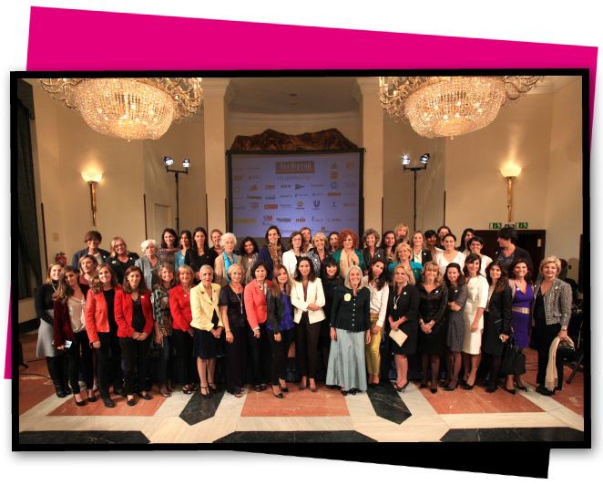 Foto de las mujeres propuestas en el ranking junto con María León