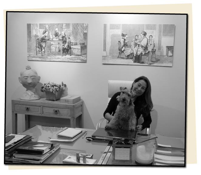 Elisay Alday, directora de Geografica XXI con su querida perra Panchita.