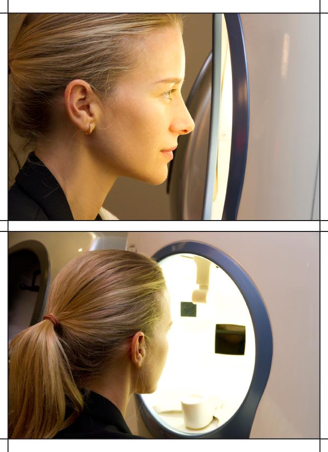 María León con un escáner de la cara en el centro de estética avanzada.