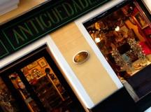 En la tienda de antigüedades de los Bastilippo en Sevilla
