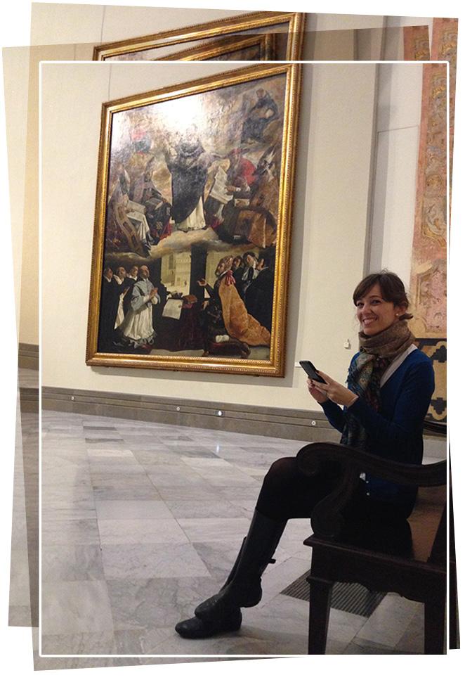 María León con Guiomar García de Paredes en su exposición