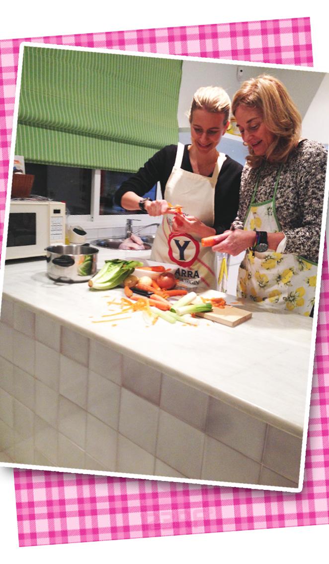 María León comenzando en la cocina la receta gastronómica