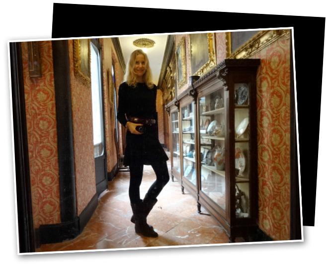 María León en esta casa por el fotógrafo Bernardo Doral hace ya unos años. El traje de flamenca es de Pepa Garrido.