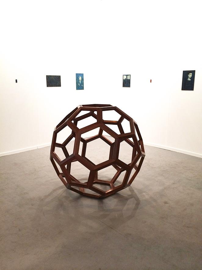 La escultura de Aiweiwei que trajo Elena Ochoa de Ivorypress