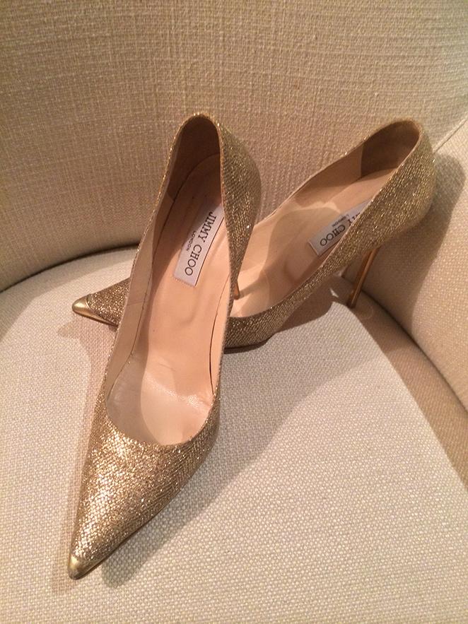 Zapatos dorados de Jimmy Choo