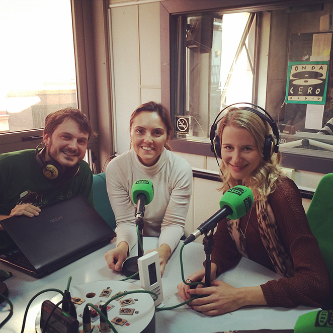 María León en la radio