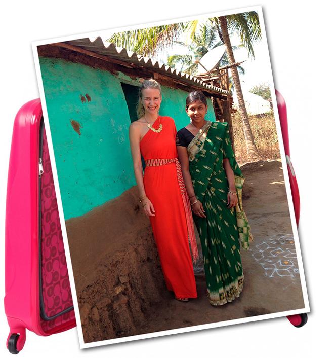 María León con vestido de punto rojo comprado el verano pasado en Sotogrande