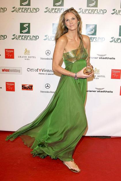 thong-sandals-large-size-shoes-elle-macpherson-green-gown-jewelled-flats