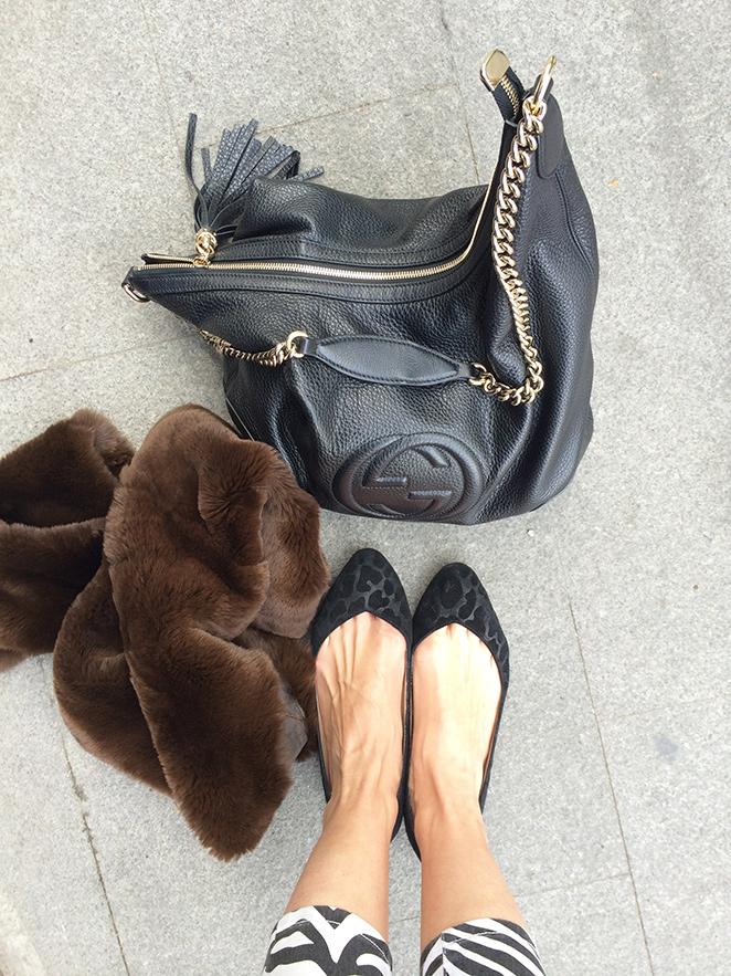 Bailarinas de Zara, bolso de Gucci y abrigo de Pedro del Hierro