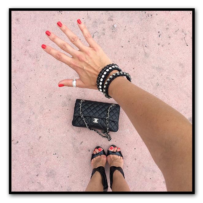 Sandalias de mas34, bolso de Chanel