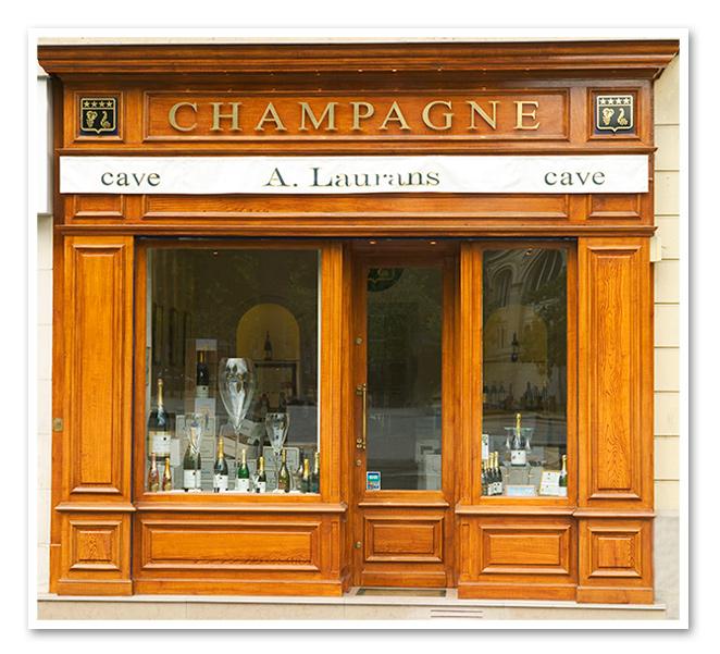 Escaparate de esta tienda Champagne A. Laurans