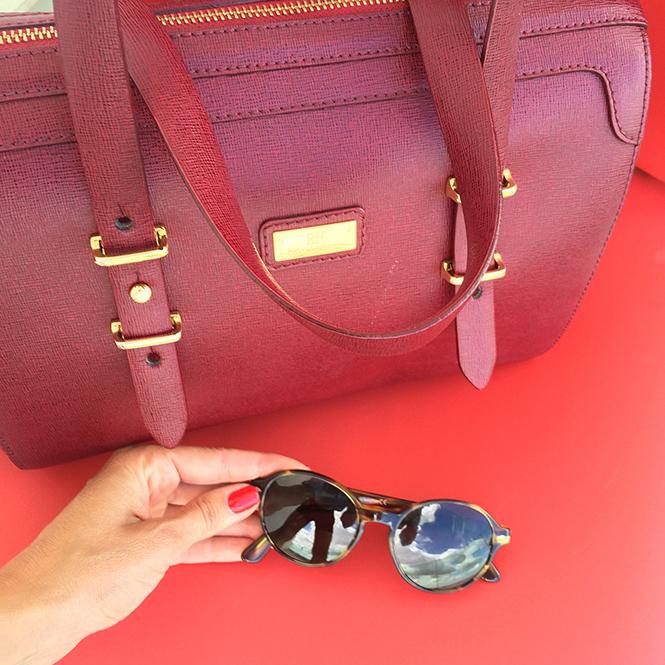 Para ir a Mercedes Benz Fashion Week Madrid con falda pantalón vintage de Mosquino de la tienda La Petite Coquette de Oporto, blusa y bolso de Pedro del Hierro, salones de Massimo Dutti y gafas Persol.
