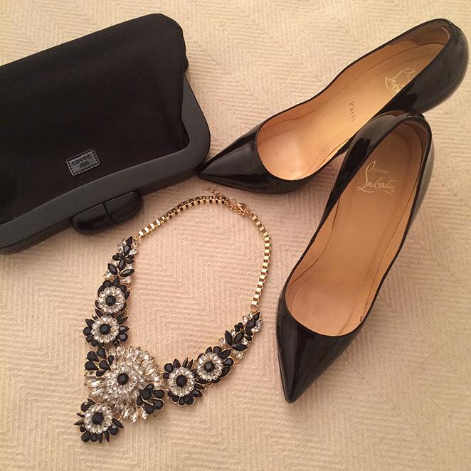 Los zapatos de Louboutin y el collar lo compré en la tienda del Museo Automovilístico de Málaga.