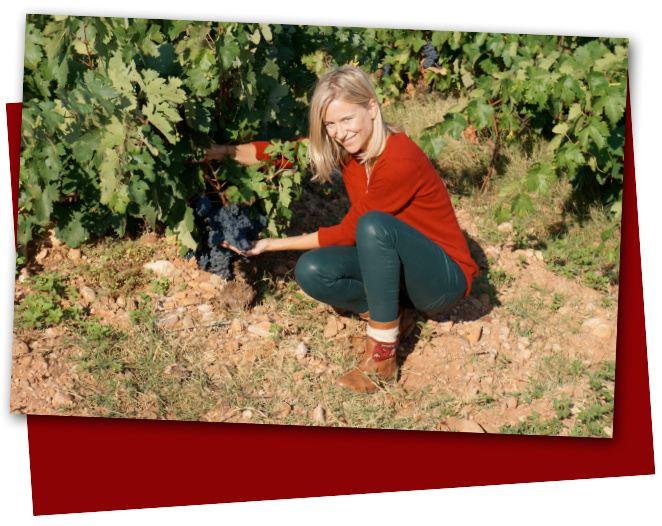 María León de vendimia en La Rioja con Marques de Caceres