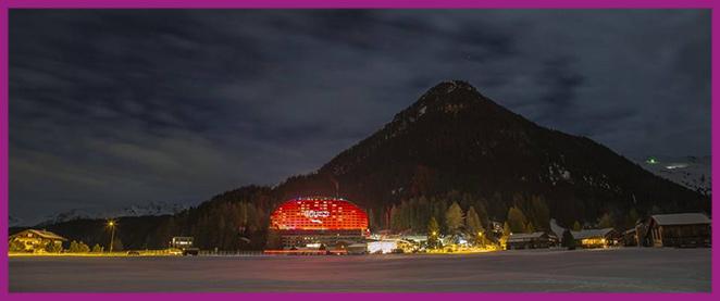 Una escapada de fin de semana a uno de los hoteles de la cadena IHG, como el Hotel Intercontinental de Park Lane en Londres o Hotel Intercontinental de Davos, con unas vistas increíbles hacia los valles alpinos y un diseño espectacular