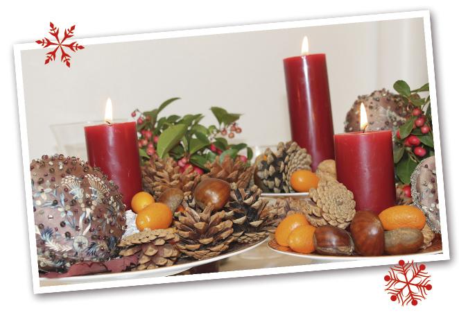 En Navidad me gusta la flor de Pascua, las castañas, las mandarinas, las ramitas de canela… Mezclo artificial y natural, para dar un toque especial.