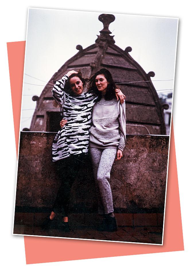 Blanca Unzueta con su compañera, amiga y también estilista Silvia Montoliú