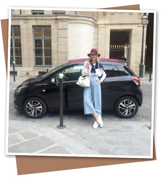 María León en París Rive Droite, con su Peugeot 108
