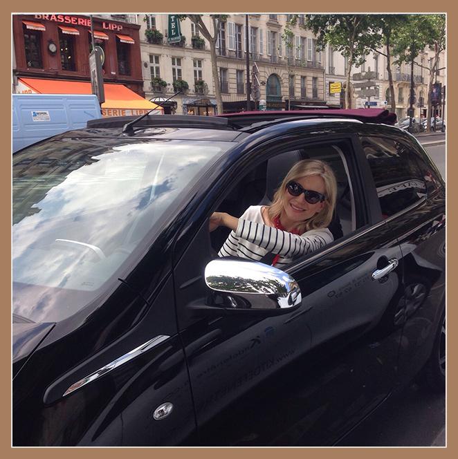 María León con su Peugeot 108