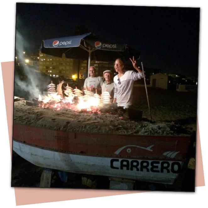 Nada como un rico espeto de sardinas o de lubina en Eulogio o Carrero en la playa de Torreguadiaro