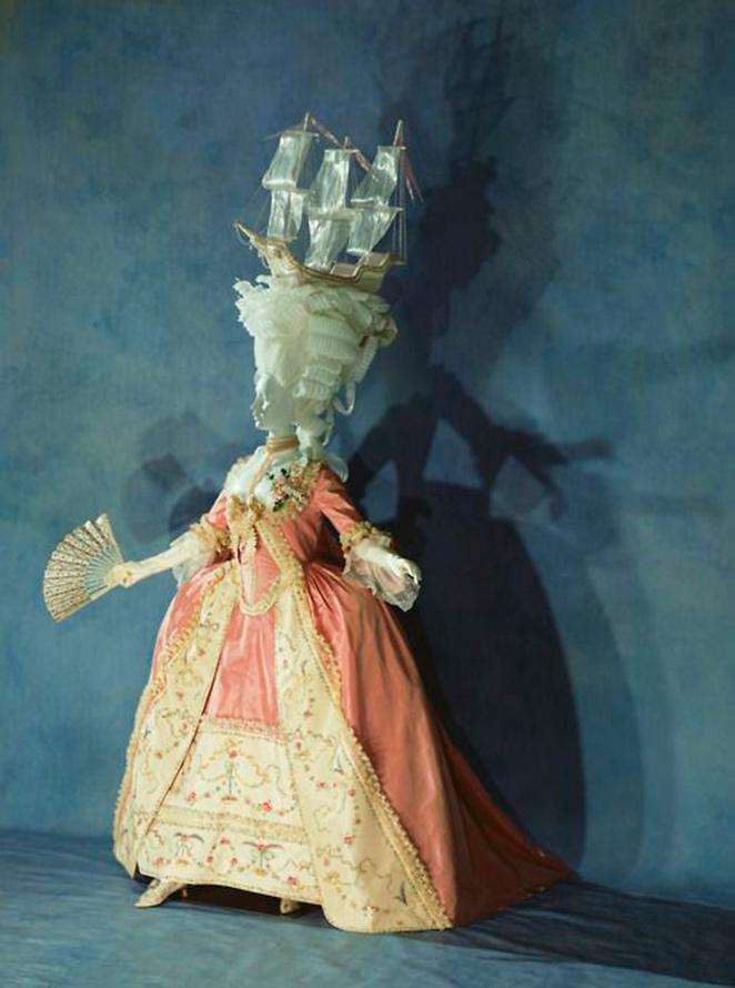 Vestido a la francesa. Seda. 1780. Instituto de la Indumentaria. Kyoto