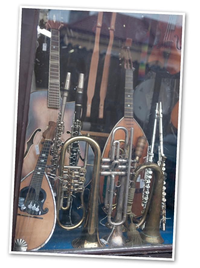 Praga es una ciudad muy cultural en todos los sentidos, por un lado, está muy ligada a la música y al arte