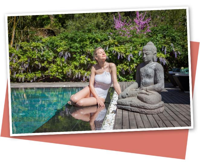 Otra de las piscinas del complejo es la espectacular piscina Zen. Está climatizada a 29ºC todo el año y cuenta con un jacuzzi central con vistas al Mediterráneo que la convierten en una de las joyas de Asian Gardens. ¡Perfecta para tomar un aperitivo en la tumbona antes de comer!