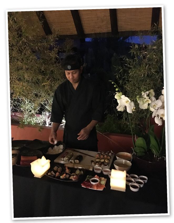 Uno de mis manjares favoritos es el sushi, así que en una escapada como esta no puede faltar. Y para llevar la exclusividad al grado superlativo, en Asian Gardens me invitan a maridarlo con champagne en la terraza del Champagne Bar, con un ambiente de cuento.