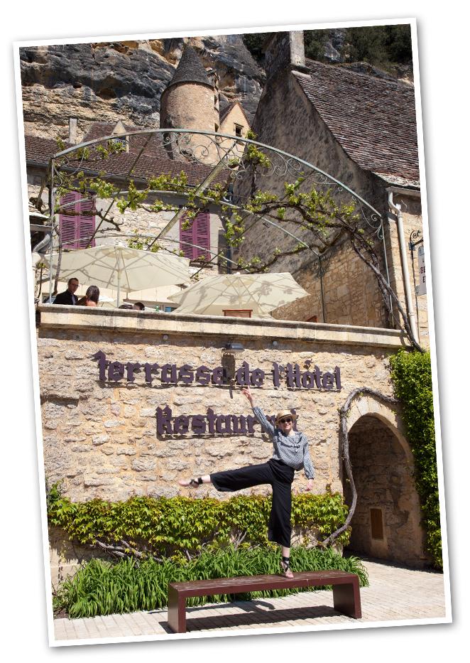 Para almorzar por la zona, es ideal La Belle Etoile situado en el pueblo La Roque Gageac que tiene una terracita muy agradable.