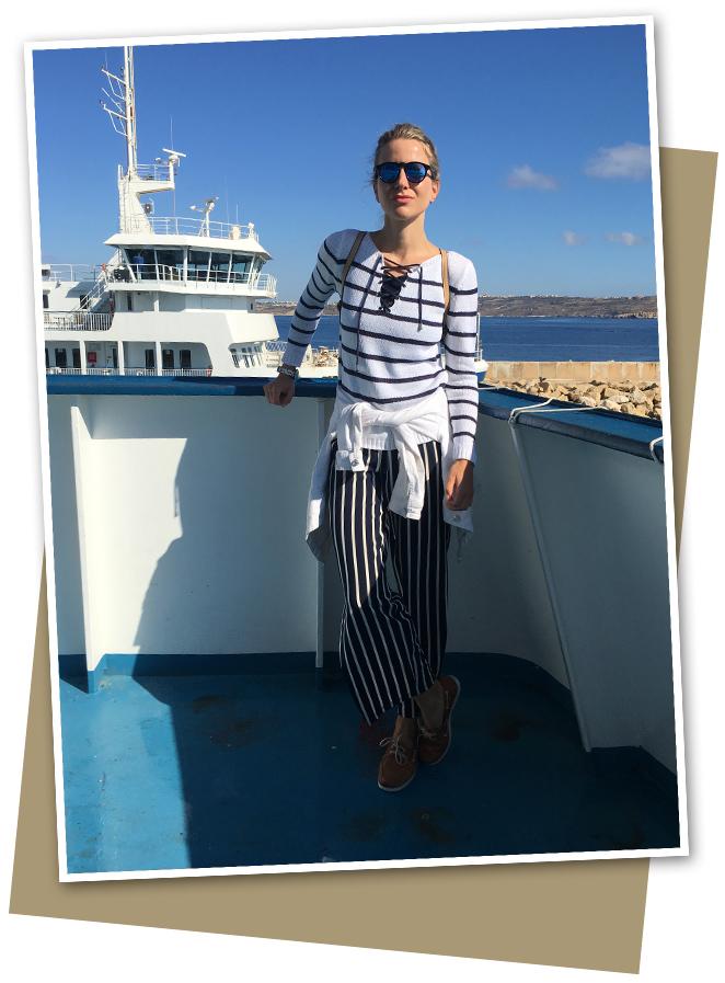 Gozo es una islita muy pequeña y es agradable ir a pasar el día allí para disfrutar de un día tranquilo de campo o hacer submarinismo. Para llegar hasta allí hay que coger un Ferry y el trayecto dura una media hora.