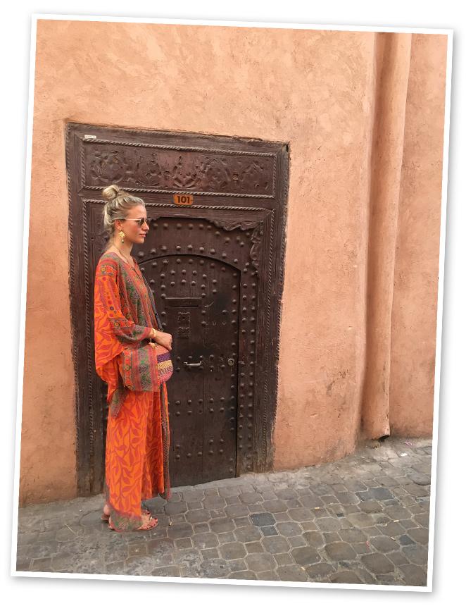 Aunque cuando estás en La Mamounia solo te apetece perderte entre los mil rincones de su paraíso, resulta imperdonable no dar un paseo por La Medina, así que nos adentramos en los secretos de Marrakech de la mano de una visita guiada organizada por el propio hotel.