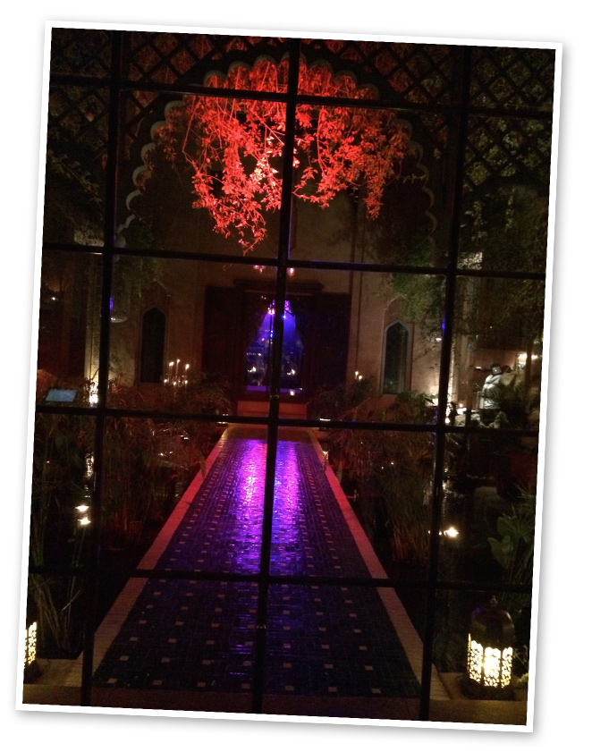 Palais Jad Mahalpara una cena especial. Es un sitio ideal también para disfrutar de una copa después porque hay un divertido ambiente.