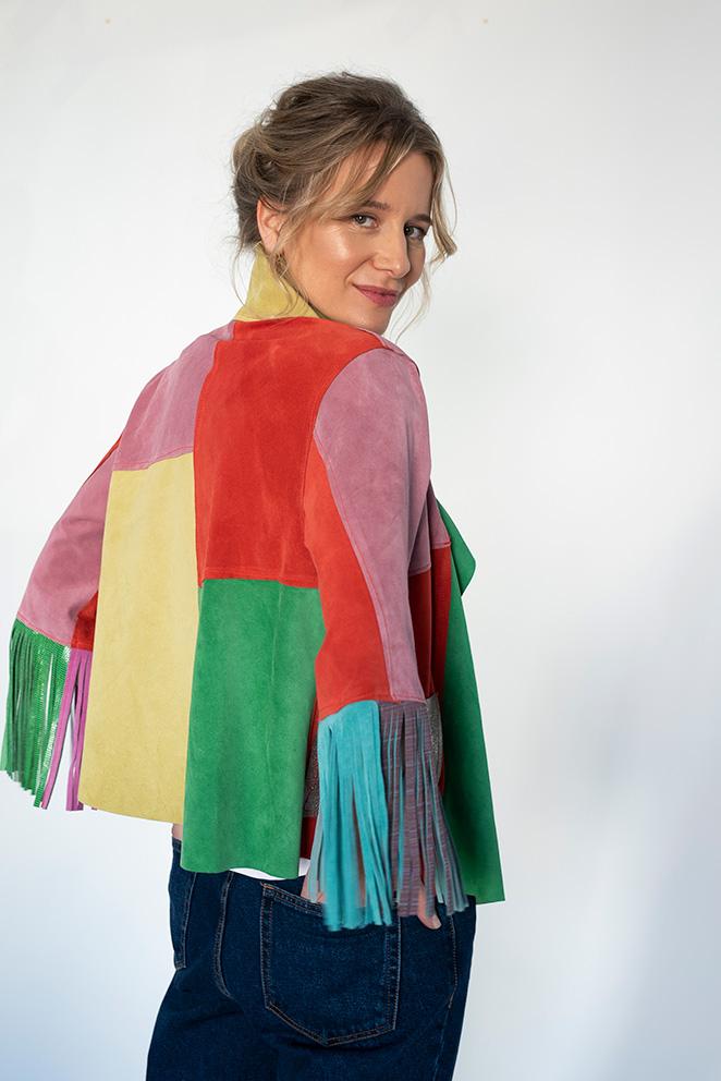 Llega la colección María de Leon Cápsula - Chaqueta multicolor flecos