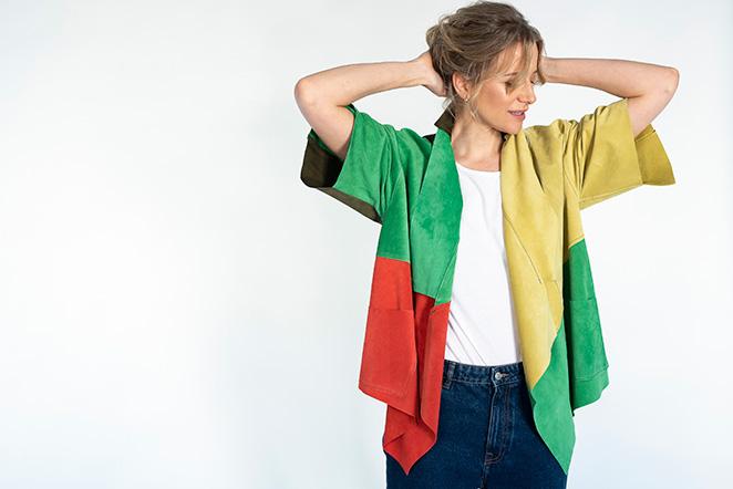 Llega la colección María de Leon Cápsula - Chaqueta corta multicolor sin flecos