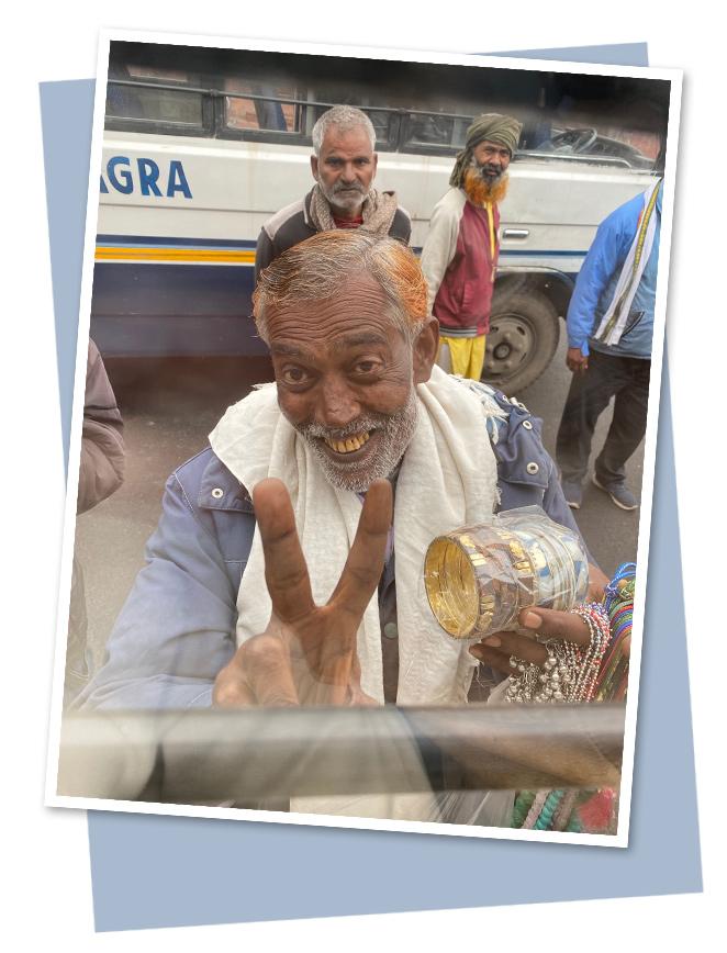 Teniendo en cuenta que éste es un país poblado por 1.300 millones de habitantes y que el 80% practican la religión hunduísta, esa satisfacción general llega al viajero como una especie de explosión de energía sana y positiva que te renueva el alma, al menos así lo percibí yo.